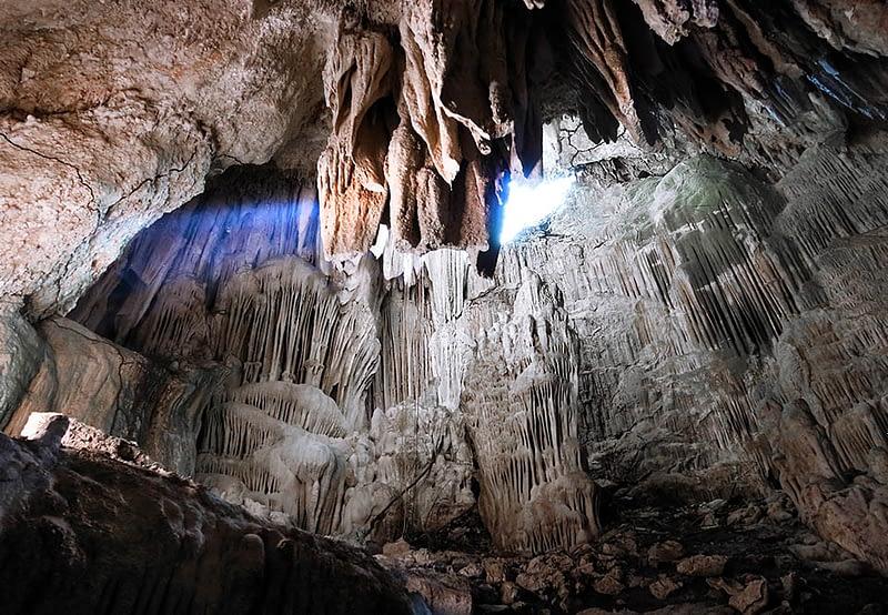 finca ixobel eco hotel poptun peten guatemala eco cave